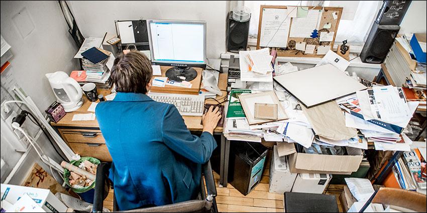cluttered desk cluttered mind karen kingston s blog